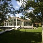 Klimaatvriendelijke villa door groen.